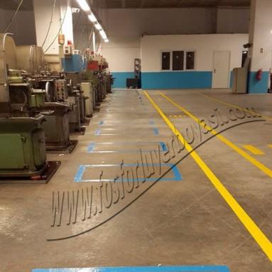 uzun koridor boyaları makine ile atılır