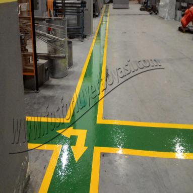fabrika içi yeşil renkte dolgulu yaya yolu