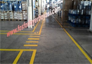 fabrika içi sarı  renkte yer boyaları yaya ve forklift yolları