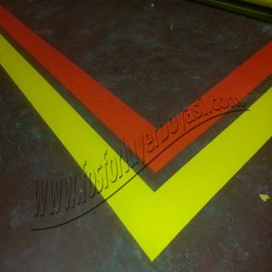 fosforlu yer boyası sarı ve kırmızı yol boyası